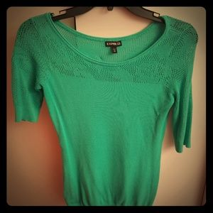 Green 3 quarter sleeve sweater